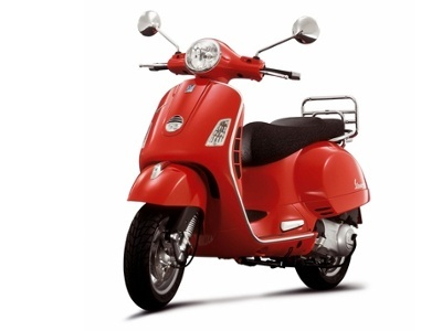 Piaggio-Vespa-GTS-300.jpg